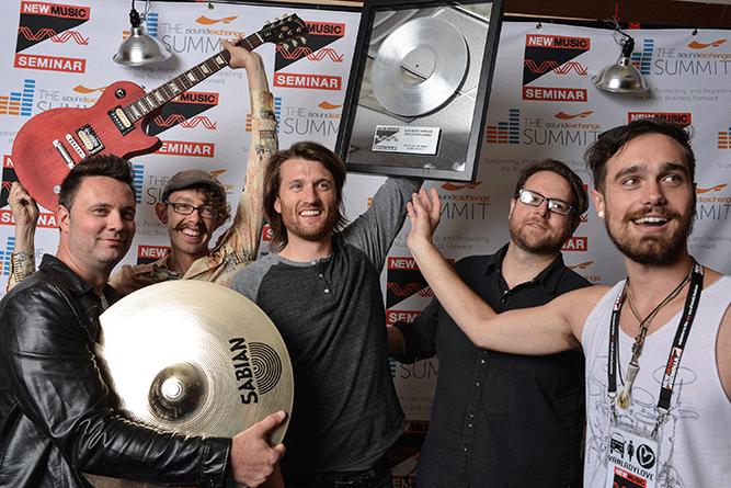 VanLadyLove Wins New Music Seminar's 2014 'Artist On The Verge' Award!